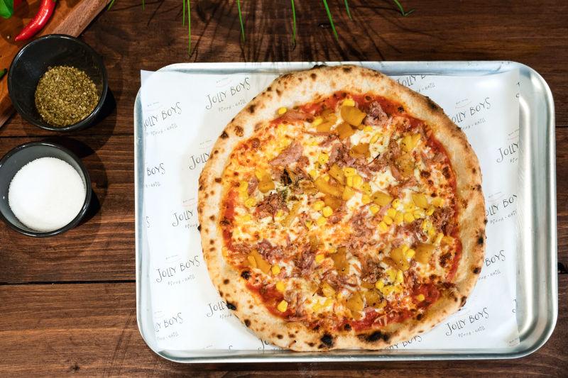 S'ham & pineapple pizza